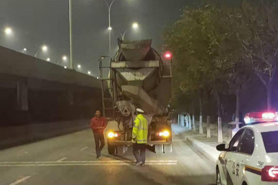 公安交管部门:应常态化严查中重型货车闯禁行