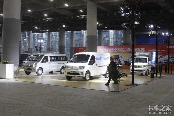 广州商用车展探馆解放、欧曼、陕汽所有展车抢先看