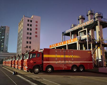 从这里走向战场!16辆联合卡车器材保障消防车交付安徽消防总队