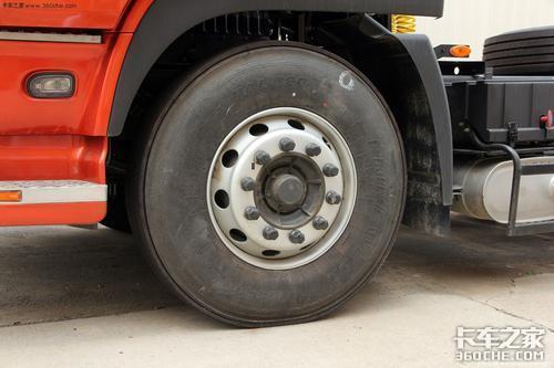 货车司机冬季出行注意的3个小细节,看似不起眼却很危险