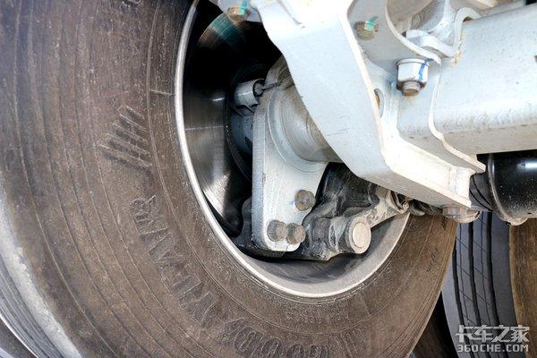 新国标挂车刹车冒烟还正常?看看重器安全系统的领导怎么说