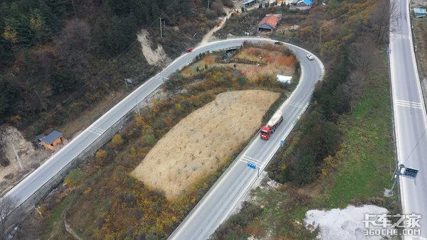 LNG牵引车跑山路怎么样?我们跟着上汽红岩国六LNG牵引车跑了一趟山区