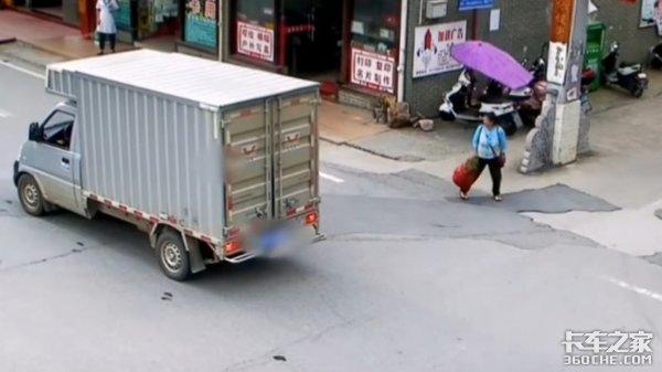 小孩横穿马路被正常行驶的货车撞飞,究竟谁来担责任?