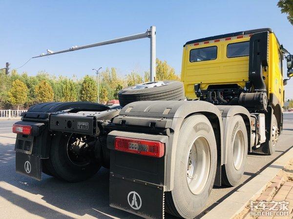 自重不到8吨,北奔V3ET牵引车成拉煤首选,拉货多回本快