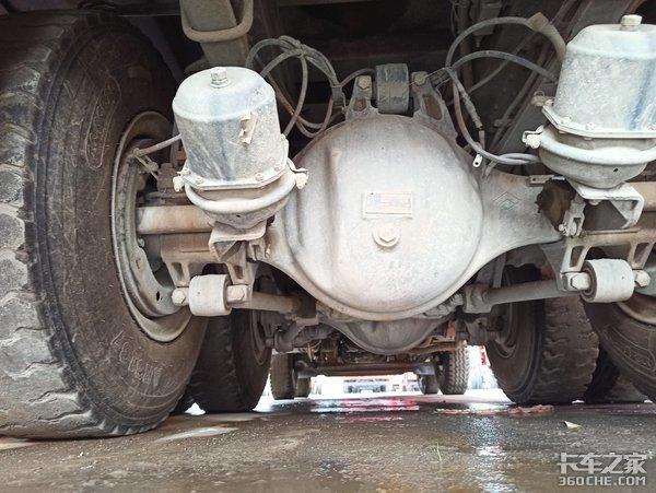 实拍1年半的二手柳汽H7自卸车,车况良好买到手就能挣钱