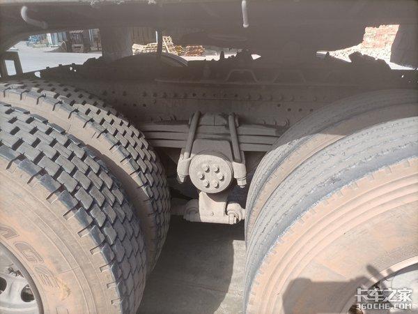 重汽汕德卡拉砖太奢侈了,卡车司机:再给我一次机会,我选二手车