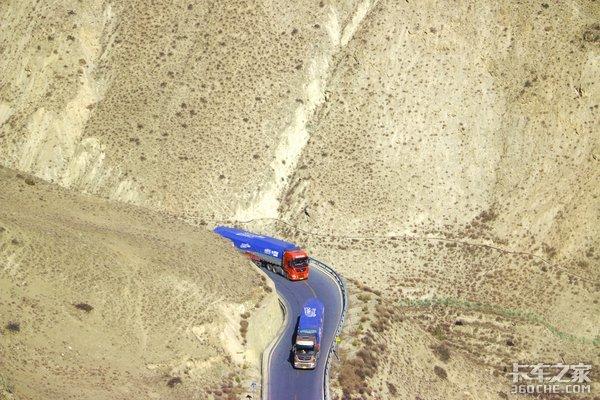 超级盘刹直面怒江七十二拐!陡降2000米使锣响挂车刹红了盘