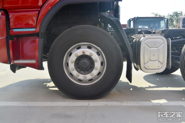 玉柴260配9.7米货厢乘龙H5小三轴图解绿通零担全搞定!
