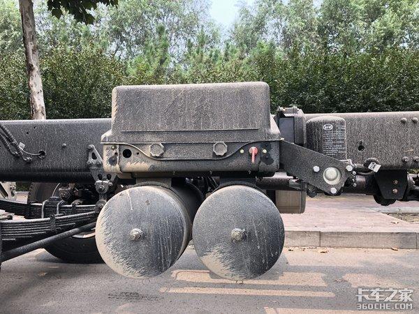 平原地区快递运输,看看解放悍V8X2载货车怎么样