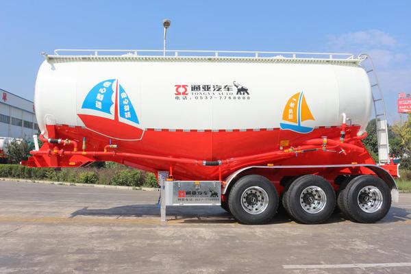 前9月粉罐车同比增长63.3%通亚汽车夺得粉罐车市场第一