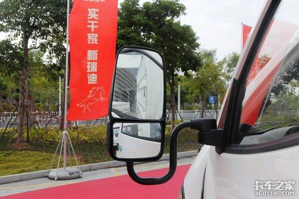 115匹国六柴油动力厢长达到4米南骏新瑞迪小卡实拍