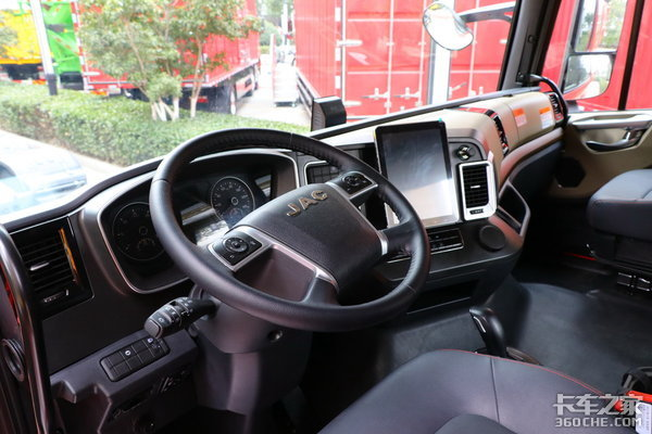 车市速看:明星AMT动力+舒适高端驾驶室这台格尔发A5真的什么都有了