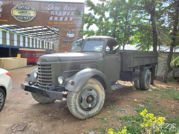 这是一台能勾起很多人回忆的老卡车,解放CA10你开过吗?