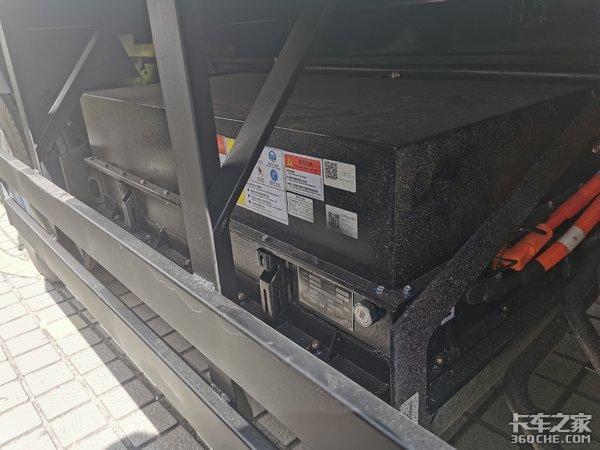 豪曼油电混合动力冷藏轻卡发布可上绿牌无里程焦虑