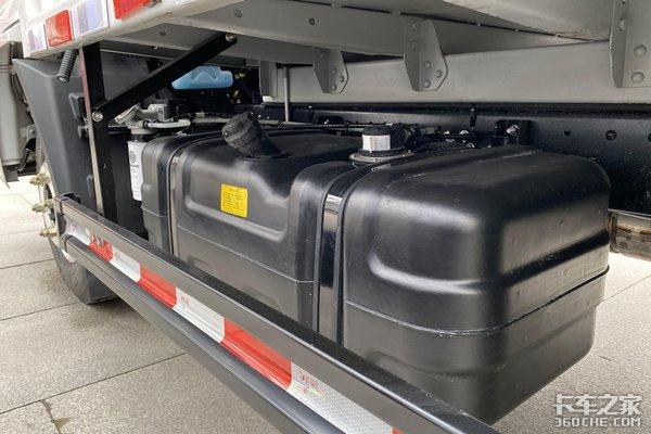 陕汽轻卡K3000再升级国六排放配AMT变速箱带电子手刹自动启停