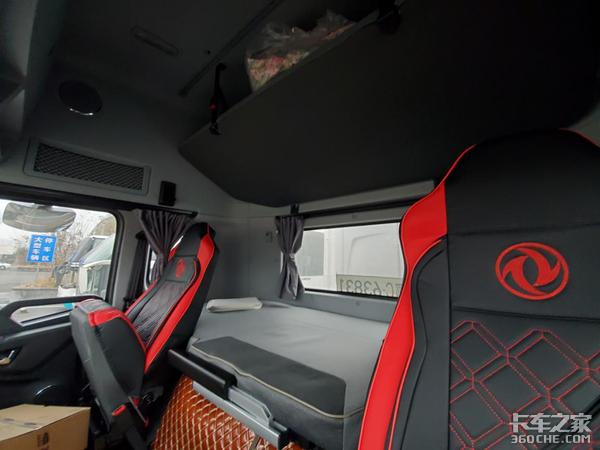 偶遇东风天龙AMT牵引车,裸车价才31万,这配置太值了