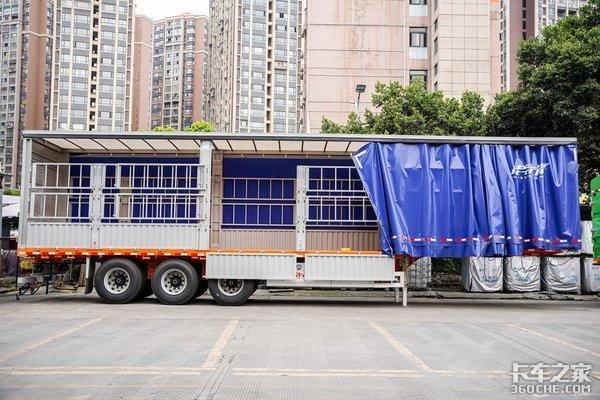 侧帘仓栏挂+提升桥载货车盘点那些应对政策的奇特车型