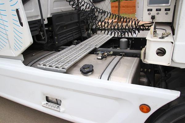 乘龙T7智能冷藏车八千里路智与鲜