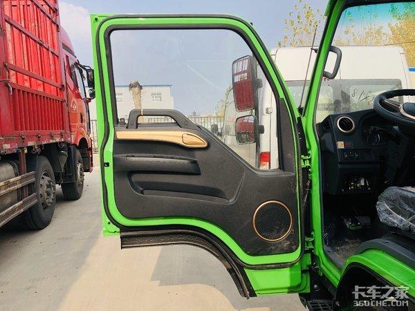 可靠底盘靓丽外观这款可自如穿梭市区的江淮新康铃G3自卸车真不错