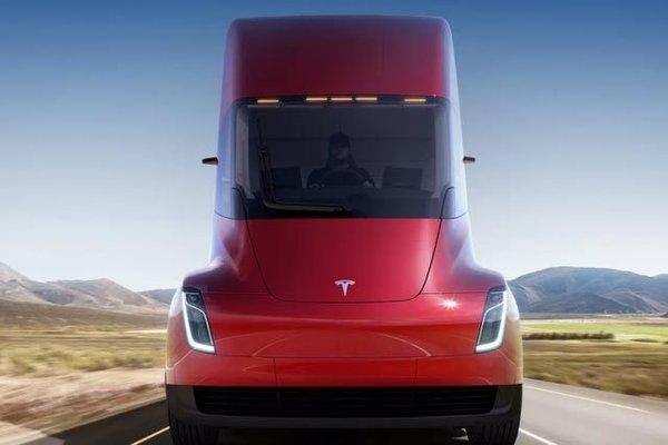 配备2170锂电池 特斯拉4台电动卡车曝光