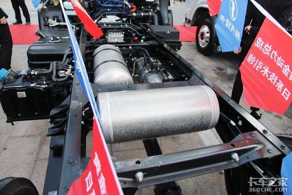 宽体轻卡底盘2.19吨陕汽德龙K3000无忧版装非金属板簧