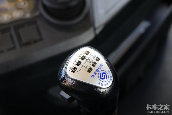 最低27.2万元拿下四款降价促销牵引车盘点一定有你喜欢的