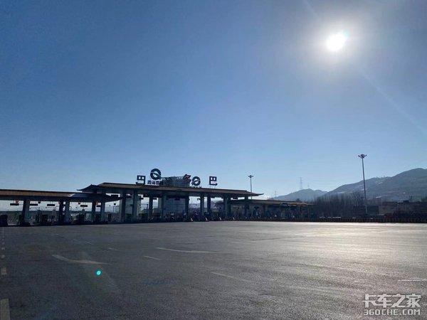 一汽解放车联网节油大赛冠军跟车记从库车到佛山体验卡车人的苦与甜