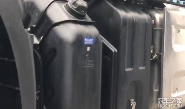 对标进口高端重卡看看德龙X6000配置有多豪横!