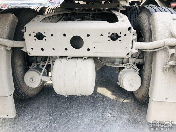 跑两个月旧转手的HOWOTX7现任车主表示自己开车挺合适