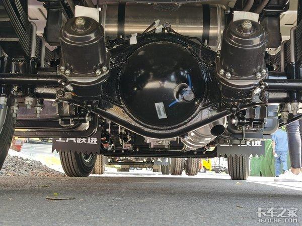 上汽跃进4.2米150马力的AMT轻卡H300详解自重不到2.4吨