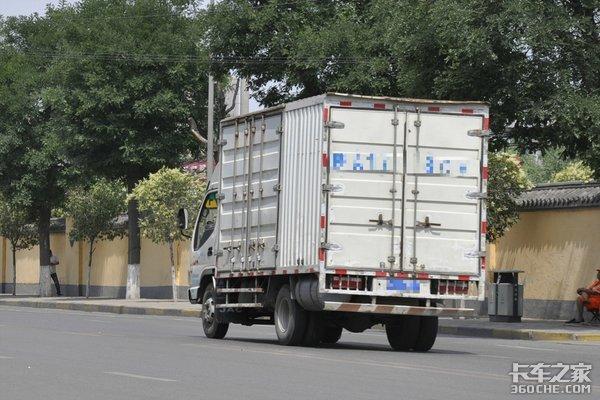 建议放宽限行、7.5吨以下可进城多次传来轻卡利好消息