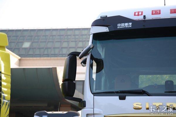 国六排放标准汕德卡C7H最大600马力后桥还带气囊提升结构