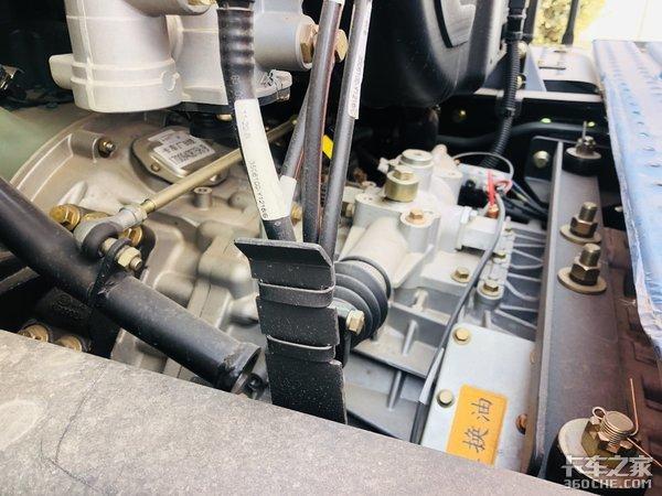 配备1000升油箱460马力发动机散货刚才用户为何选择解放J6P
