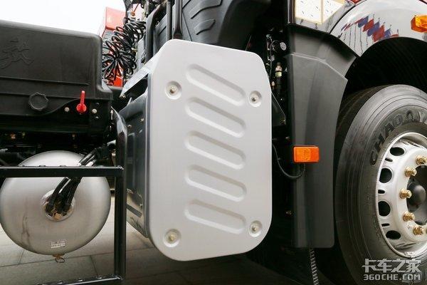 使用全新外观配色自重7.9吨配置厚道的J6P价值版来了!