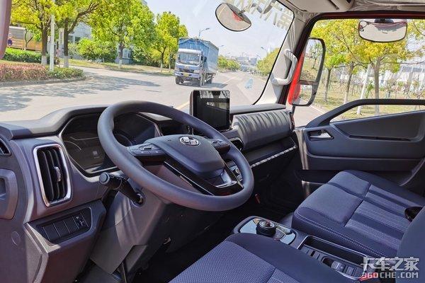 年度盛典:上汽轻卡H系自动挡获年度创新车型