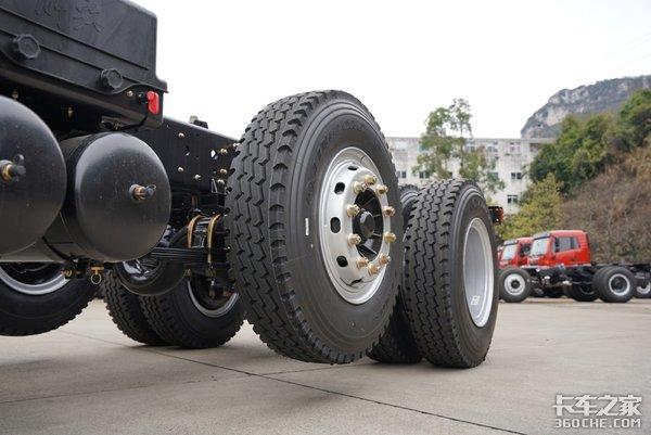 8x2��提升��260�R力悍V自卸更��大