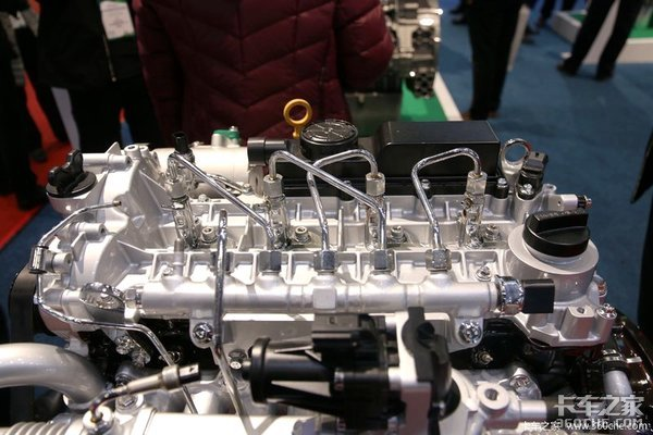 """轻量化设计的国六柴油机!玉柴YCY24机这是一颗""""澎湃""""的心"""