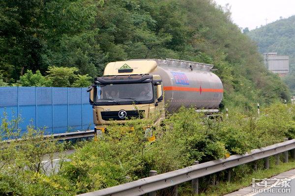 危险品运输车可以运普货吗?交通部:看情况