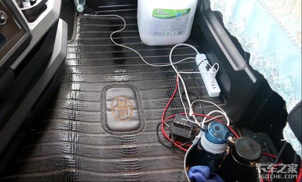 别让电热毯点了你的车!冬季火灾易高发车上做饭取暖要多操心