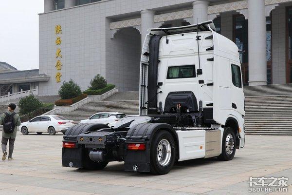年度盛典:陕汽德龙X6000获得卡车之家2020年度创新车型