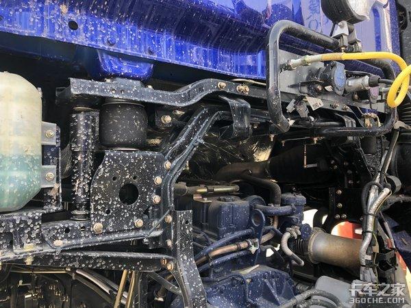 砂石料运输专用车型欧曼ETX轻量化牵引车