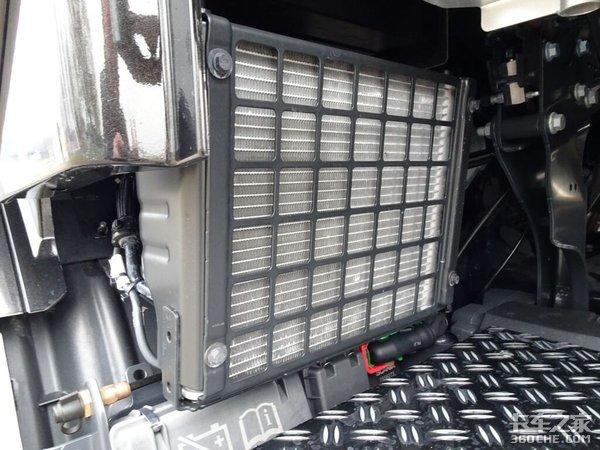 爆改版斯堪尼亚S牵引车V8发动机惹人爱