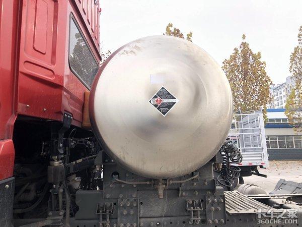 续航1000公里二手斯太尔D7B燃气车解读