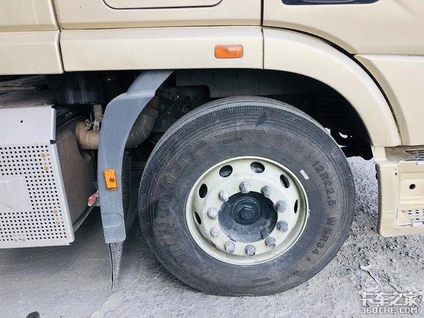 运输砂石料如此豪横联合U420牵引车解读