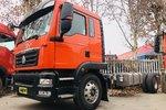 搭载潍柴220马力发动机 汕德卡G5 6m8载货底盘