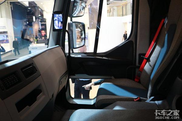 侧门开个小玻璃窗!二十年前的设计如今依然很实用