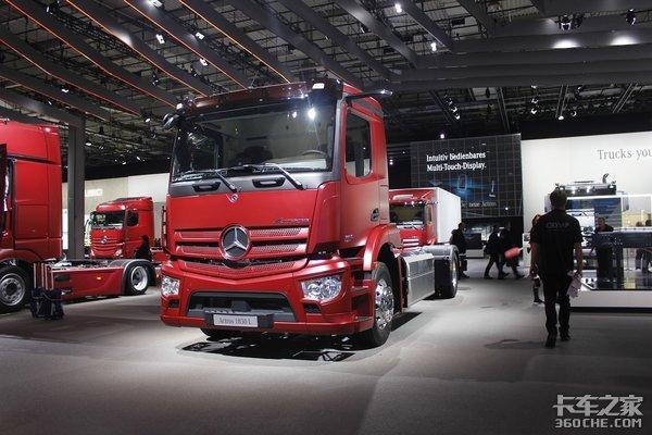 重磅消息戴姆勒奔驰卡车未来将会搭载康明斯中型发动机动力