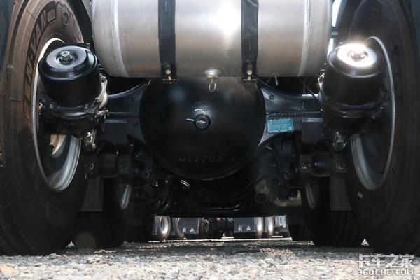 自重仅8.2吨还是国六车型解放JH6卓越版400马力售价30万元