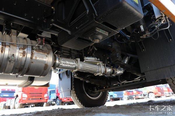 220马力大柴发动机龙V2.0各项配置均升级内饰变化很明显