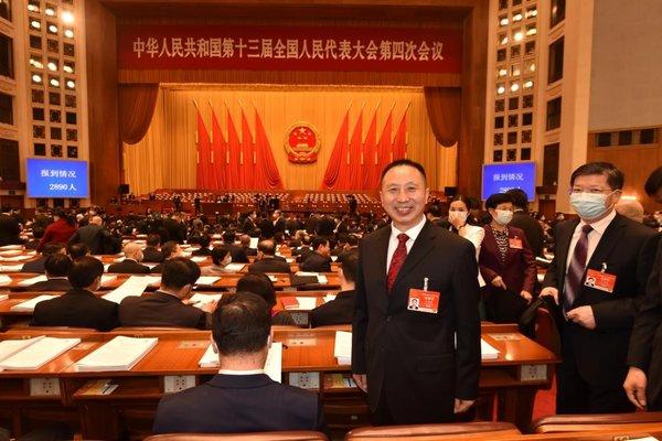 东风劳模有话说:让工匠精神在班组中传承让汽车之城再助产业腾飞